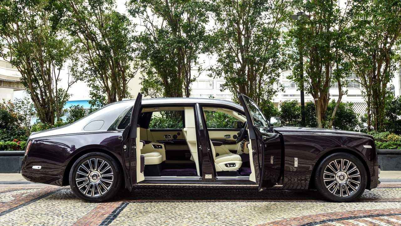 rolls-royce-phantom-with-privacy-suite